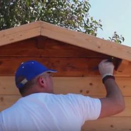 Come verniciare una casetta di legno - Verniciare una porta in legno ...