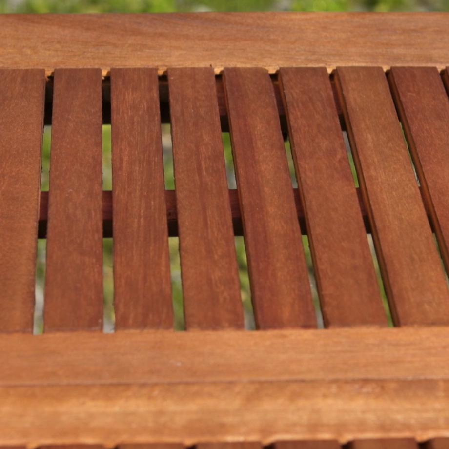 How to restore your garden furniture for a natural effect
